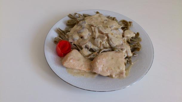 Oridona tjestenina s bijelim umakom